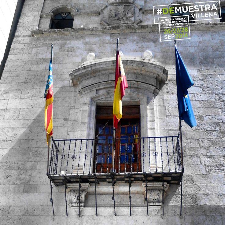 Balcón del Ayuntamiento de Villena. #DeMuestraVillena www.muestravillena.villena.es www.facebook.com/Muestravillena @muestravillena