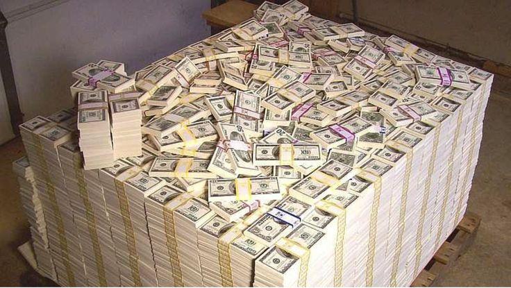 Деньги дохуя денег долларов