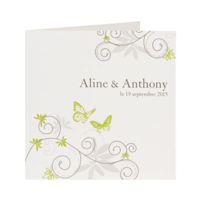 Vous papillonnerez à coup sûr vers ce faire-part ! Devant, apposez vos prénoms et la date de votre mariage dans un décor de jolis papillons et arabesques vert anis et gris. A l'intérieur, impression de votre texte sur papier blanc irisé.