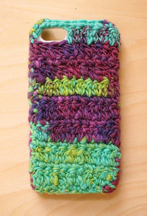 手紡ぎ糸で編んだケースです。うさぎの毛入りで使うたびモヘアのような風合いに変化していきます。■ 夢見がちな象 手紡ぎ糸はコチラ→ http://ww...|ハンドメイド、手作り、手仕事品の通販・販売・購入ならCreema。
