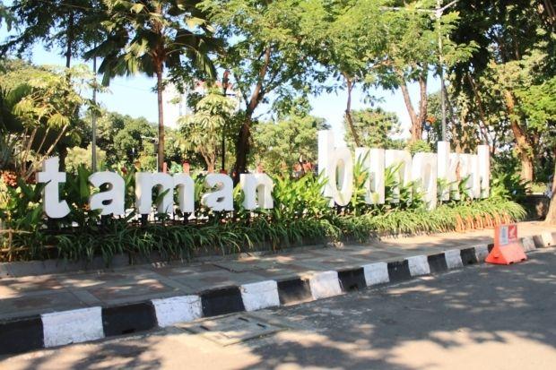 Wisata Taman Bungkul Surabaya