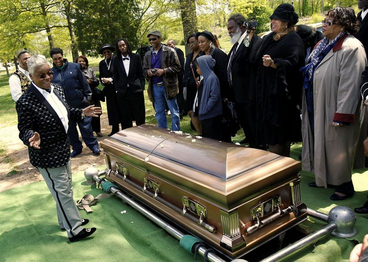 Easy E Funeral: Chapter Nine: Joe's Funeral Is An Extravagant Affair But