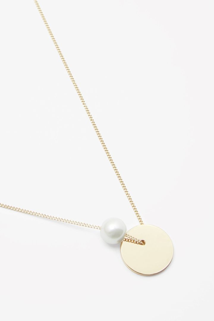 COS image 2 of Short pearl and disc necklace in Gold