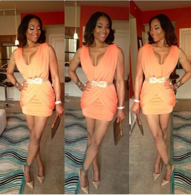 Mimi Faust gorgeous in coral