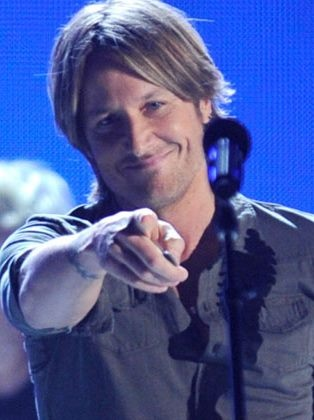 "Keith Urban.  ""Yeah. I'm lookin' at  you Bybee."""