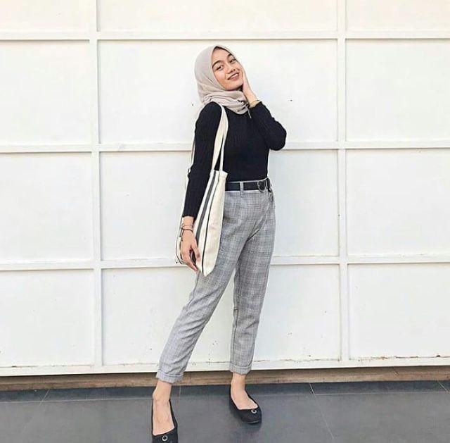 Pin Oleh Raihana Yasmin Di Outfit Ideas Casual Hijab Outfit Pakaian Sporty Pakaian Tumblr