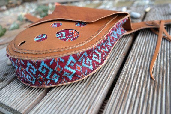 MaLi... vestirsi! e non dimenticare la tua borsa.  Questo nuovo pezzo in stile indiano non è solo una bellissima borsa dellanca, ma può essere