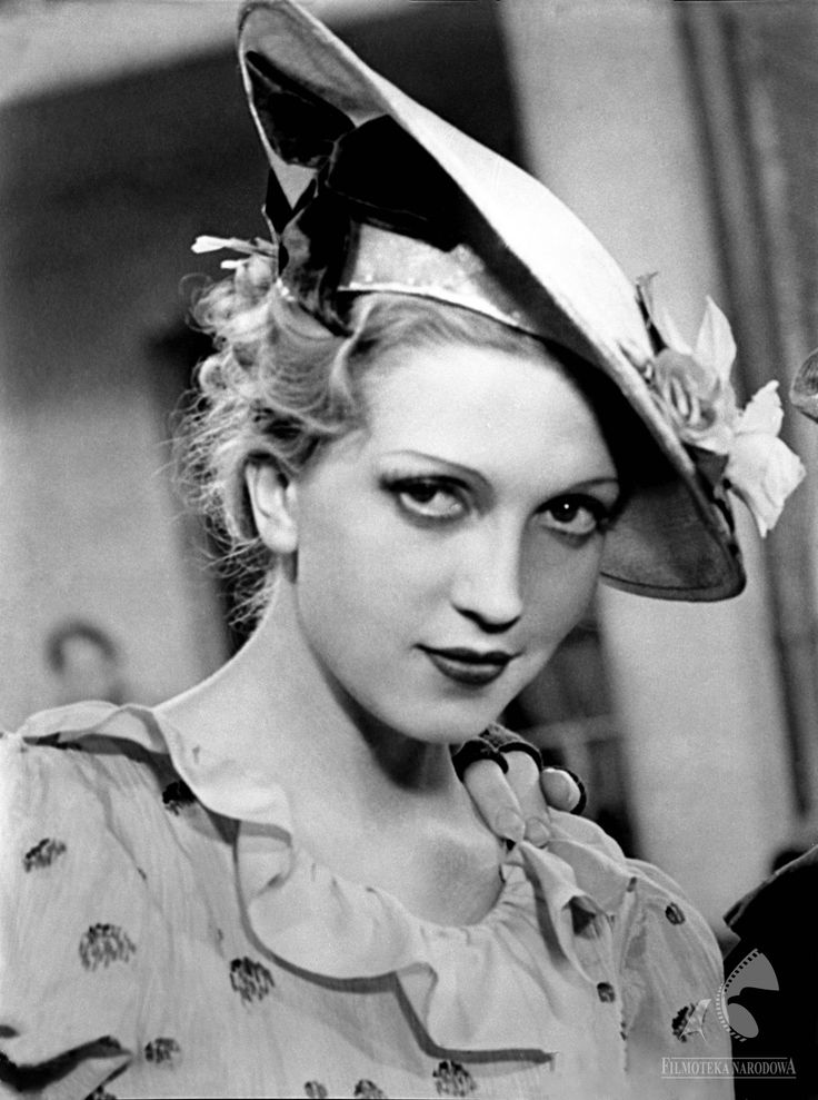 """Tamara Wiszniewska w filmie """"Dziewczęta z Nowolipek"""", 1937"""
