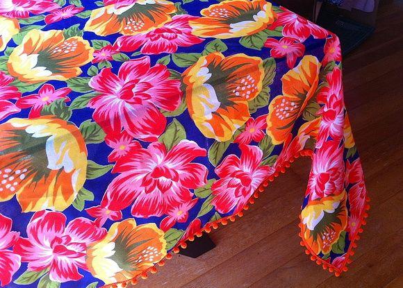 Chita and pompom table cloth  Toalha Mesa Chita e Pompom 2,0x1,4m