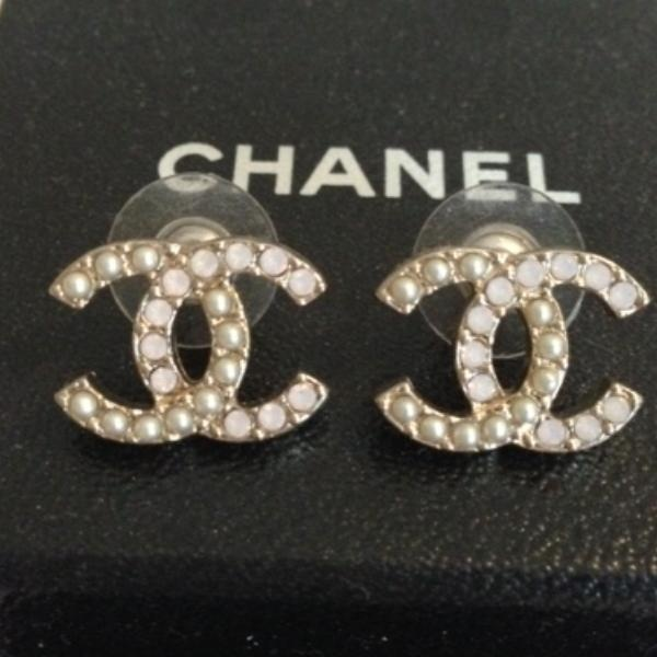 #wholesalebaghub , Vintage Chanel Jewelry, Chanel Bracelets, Chanel Earrings, Chanel Necklaces , 2013 new style vintage designer jewelry collection,#ReplicaJewelry, #CHEAP, Cartier,Bvlgari,Chanel,Gucci,Tiffany
