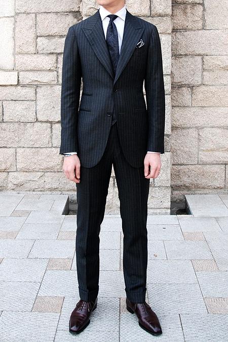 Suit : Vanni  Shirt : Savile row  Shoes : G&G  Necktie : Tie your Tie  Pochette : Howard Yount
