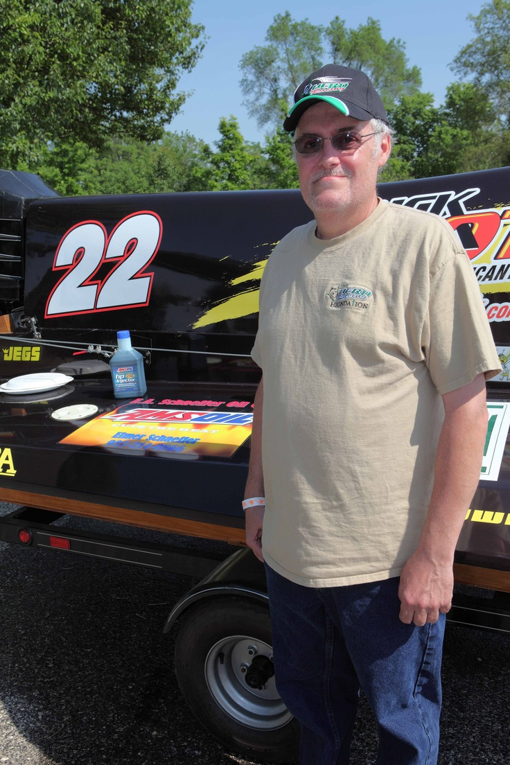 Elmer Next to a tunnel boat he sponsors. Herd Racing won't run without AMSOIL.: Dana Tome, 22 Boats, Tunnel Boats, Diver Dana, Herding Racing