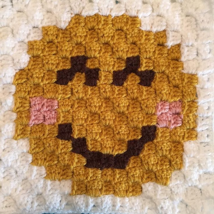 Crocheting Emoji : Crochet Smiley Face Emoji. #crochet#crochetaddict#crochetofinstagram# ...