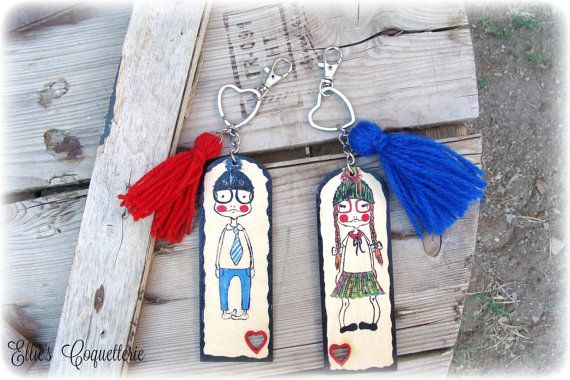 nerd couple keychain, handpainted wood keychain, cute geek couples,Valentine's gift ,best frientds gift,lovers gift, anniversary date,