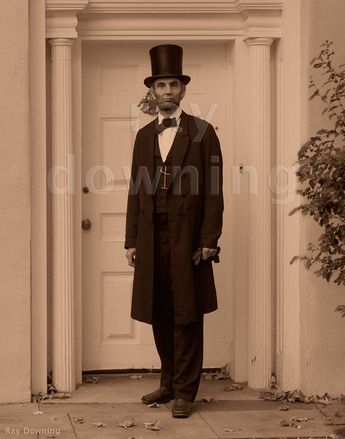 Abraham Lincoln in front of a building