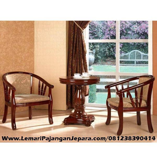 Jual Kursi Teras Jati Interior merupakan Kursi Teras yang di desain untuk di dalam rumah tampilan elegant, Kursi Teras Lengkung Dan Meja Bundar yang elegant