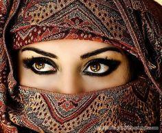 Conexão Oriente: As 12 Mais Belas Mulheres Árabes
