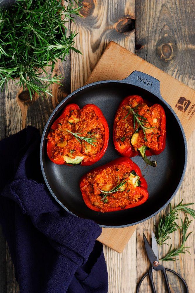 Papryka Faszerowana Kasza Jaglana I Pieczarkami Z Cukinia Nicpon W Kuchni Blog Kulinarny Recipe Fast Dinner Recipes Dinner Recipes Food