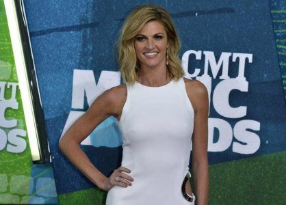 Television personality Erin Andrews has reached a settlement with the owner and operator of the Nashville hotel where a nude video of her that went viral was secretly recorded