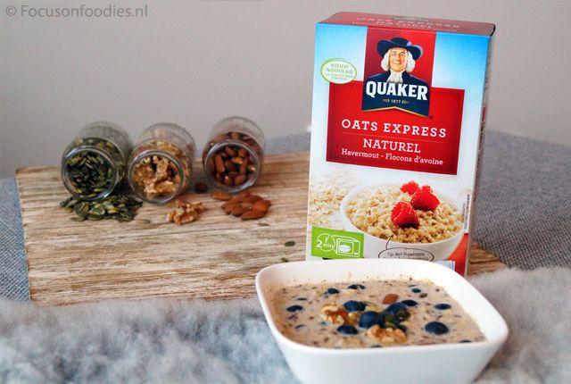 Snel klaar zijn en toch gezond ontbijten? Maak dan eens een snel havermout ontbijt, met noten, zaden en bosbessen. Heerlijk, plantaardig en gezond! Lees >>