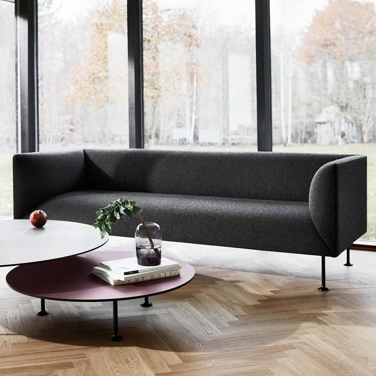 Comfortable and generous sofa series comprising 2 and 3 seater sofas as well as