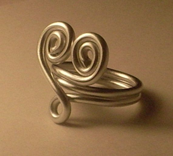 SALE  HEARTSHAPED SILVERTONE Aluminum Wire Ring for by Kedikek