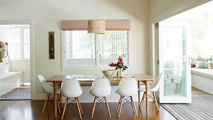 byron-bay-home-Ruscoe-11-dining-table
