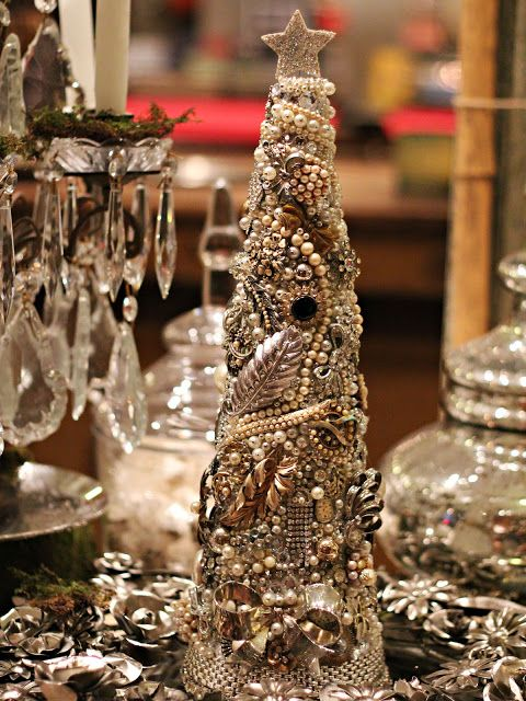 DIY How to make a Christmas centerpiece using vintage jewelry and thrift store finds ~ step-by-step instructions ~ from The Paris Market & Brocante: A Crafters Guide: #craft #tutorial #holiday