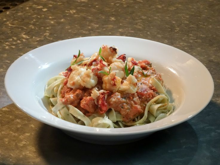 Get this all-star, easy-to-follow Linguine with Lobster and Vodka Cream Sauce recipe from Smollett Eats