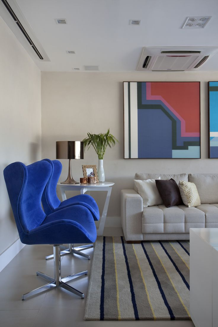 Living room by Mariana Camara arquitetura #bluemood #bluedecor #decor #livingroom #blue  #decor #decoration #livingroom #architecture #interni #interiordesign #project #design #decoration #brazilianinterior #braziliandesign