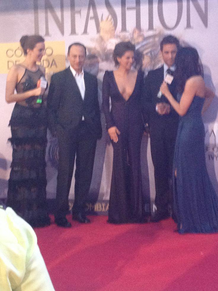 Noche de gala Premios Tv y Novelas - elenco Mentiras Perfectas entrevista Infashion