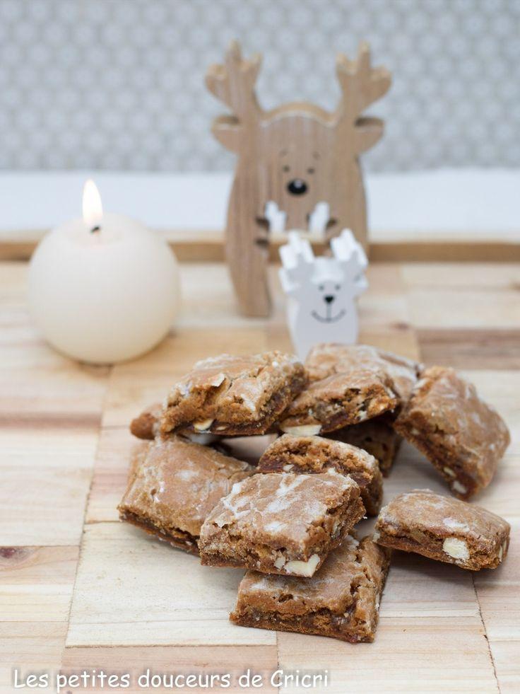 Bon ok je le conçois il est un peu tôt Quoi que pour préparer des biscuits pour les fêtes de Noël mais depuis des années j'avais envie de faire ces Leckerlis de Bâle, petits biscuits aux épices tout droit...