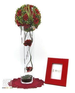 Composizione floreale fiori artificiali in tessuto: Sfera Rose e bosso vaso vetro
