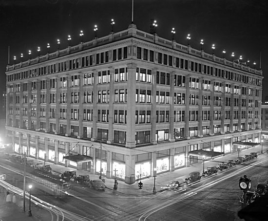 1915- Hudson's Bay Company newly completed