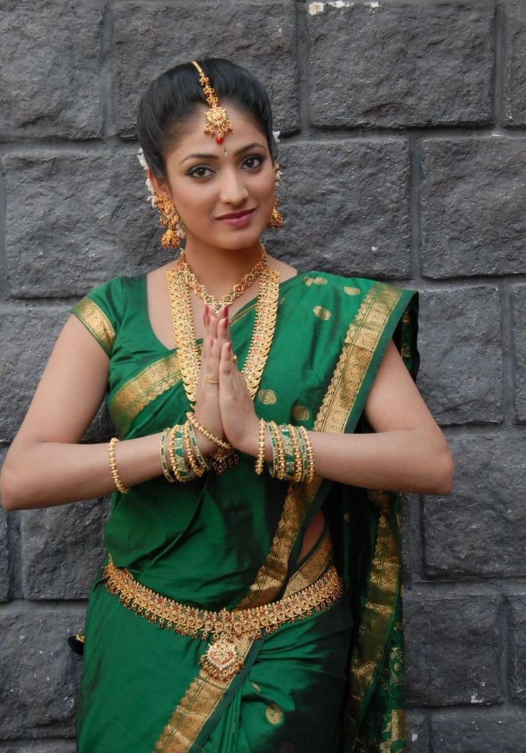 Hari+Priya+In+Green+Saree+Photos-+(6).jpg (925×1327)