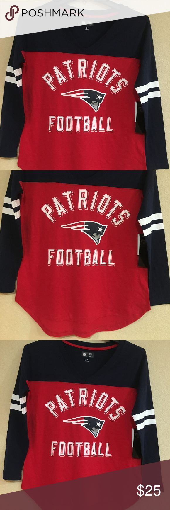 New England Patriots Women V-Neck Long Sleeve Tee New England Patriots Women's V-Neck Long Sleeve T-Shirt by G-III - Goal Line LS Tee - NFL Licensed      Material: 60% Cotton, 40% Polyester     Patriots Women's V-Neck Long Sleeve Tee     Blue color sleeves/yoke/neckline, Red color body     Soft hand screenprint full color team logo/graphic on front chest     White soft hand ink sleeve stripes     Brand: G-III     NFL Licensed     Size available: S - 2XL G-III Tops Tees - Long Sleeve