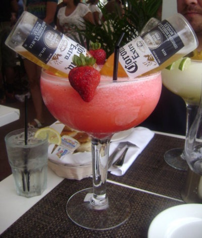 Corona Margarita HEAVEN! I want to be on a white sandy beach all alone with my hubs drinking this!!
