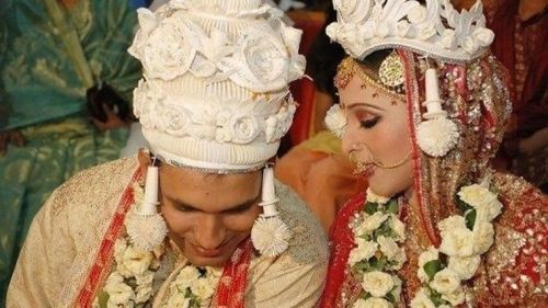 A #BangladeshiHinduwedding   Read more on>http://weddingstreet.in/wed…/a-bangladeshi-hindu-wedding-805 #WeddingBudget #WeddingPlaning #WeddingDecor #WeddingTale #ThemeWeddings #WeddingFashion #CelebrityWedding