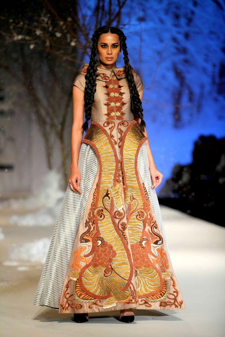 Brown & Grey hued voluminous #gown with heavy #dori embellishments by #SamantChauhan at #AmazonIndiaFashionWeek #AutumnWinter'16