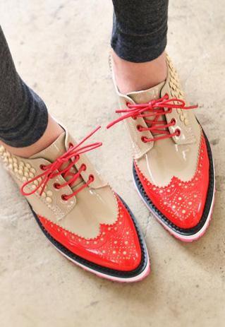 Beige stud oxford shoes