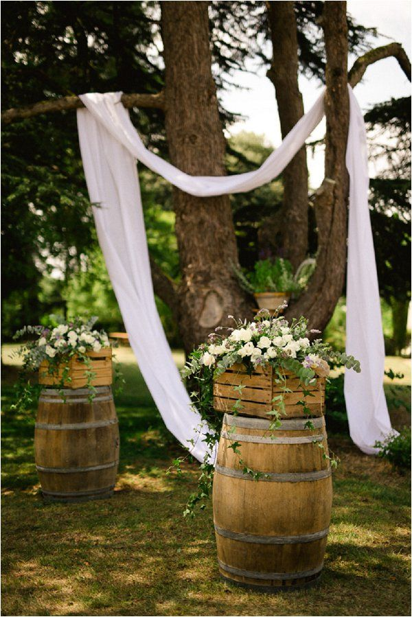 chateau malliac rustic wedding decor | Image by Chris+Lynn Photographers