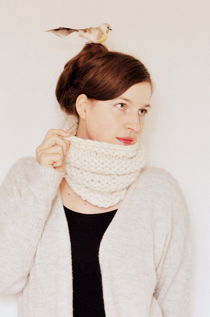 Lovely cowl. Free pattern in our blog.