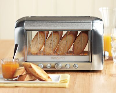 Watch your bread toast: A toaster with a window.  I think I'd eat more toast if I had this.Robots, Toaster Ovens, Williams Sonoma, Kitchens Accessories, Williamssonoma, Breads, Windows, Savory Recipe, Future Wedding