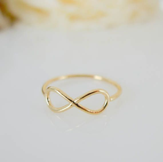Love this gold infinity ring van applelatte via DaWanda.nl