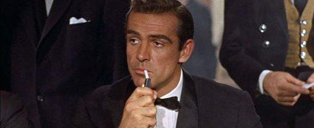 """Curte 007? A 7ª Temporada dos Clássicos do Cinemark entra em cartaz neste sábado (16). Celebrando um ano do projeto, a edição reúne uma seleção de longas-metragens realizados entre as décadas de 50 a 90. A programação começa com o agente secreto James Bond (Sean Connery), em """"007 Contra o Satânico Dr. No"""" (1962). Veja no site Arroz de Fyesta os horários de exibição nas salas Cinemark em Goiânia."""