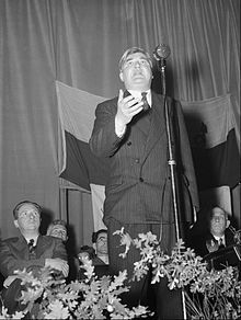 Aneurin Bevan and his wife Jenny Lee in Corwen (15368872658).jpg