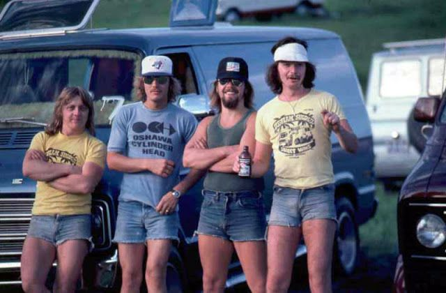 '70s Men in Shorts: The Fashion Style May Make Men Look Cool  http://feedproxy.google.com/~r/vintageeveryday/~3/KF-VrH7VW3o/70s-men-in-shorts-fashion-style-may.html