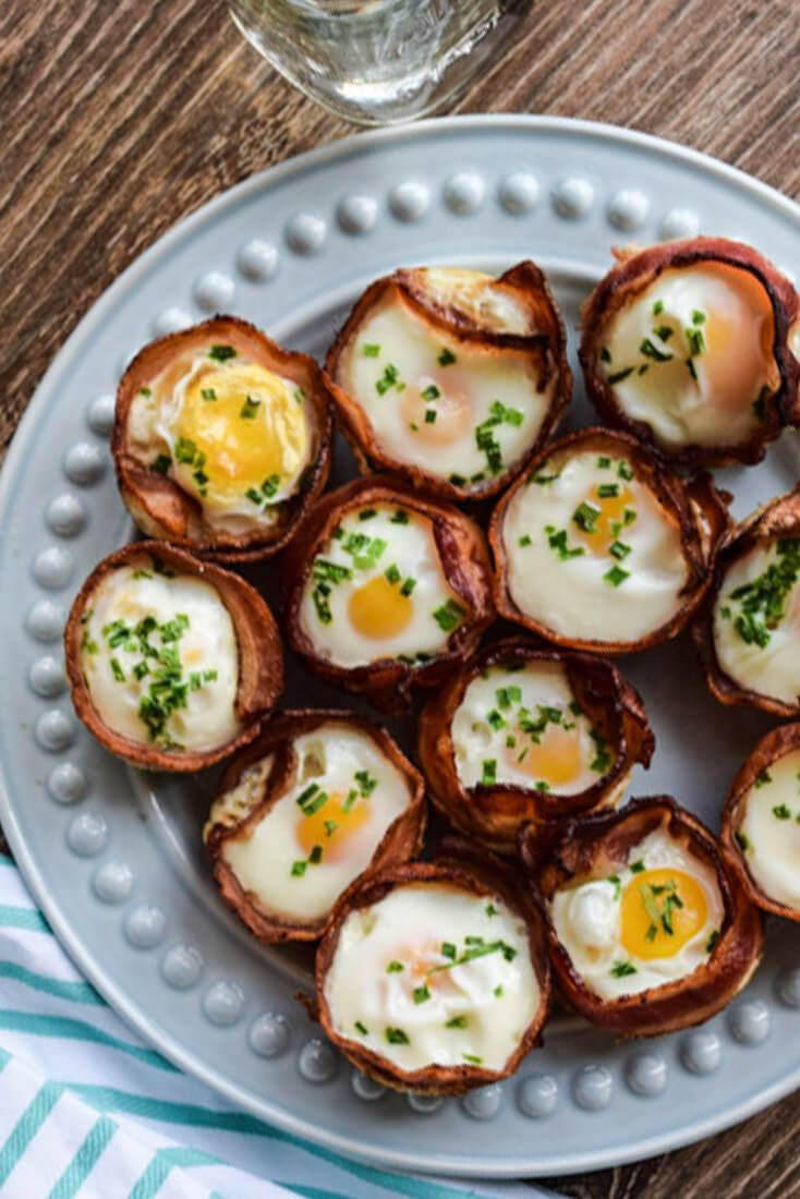Bacon and Egg Cups are an easy, tasty protein filled breakfast. Make these for your weekly meal prep and eat healthy all week! {whole30, paleo, GF}