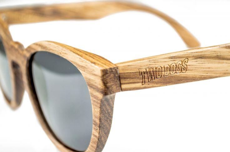 Sempre a inovar no mercado de acessórios para o seu público, a Two Dogs lançou recentemente uma coleção de óculos de sol com modelos que esbanjam atitude.