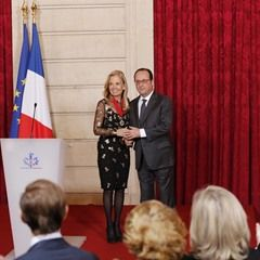 Legion of Honour awarded to the US Ambassador to France Jane Hartley(322931)